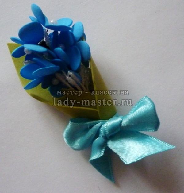 Бутоньерка с цветами из фоамирана
