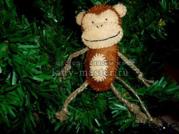 Обезьянка своими руками из фетра и веревочек, фото