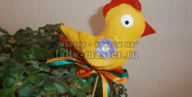 Декоративный пасхальный цыпленок
