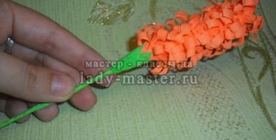 Как сделать гиацинт из гофрированной бумаги?