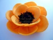 Фетровый цветок для броши или заколки