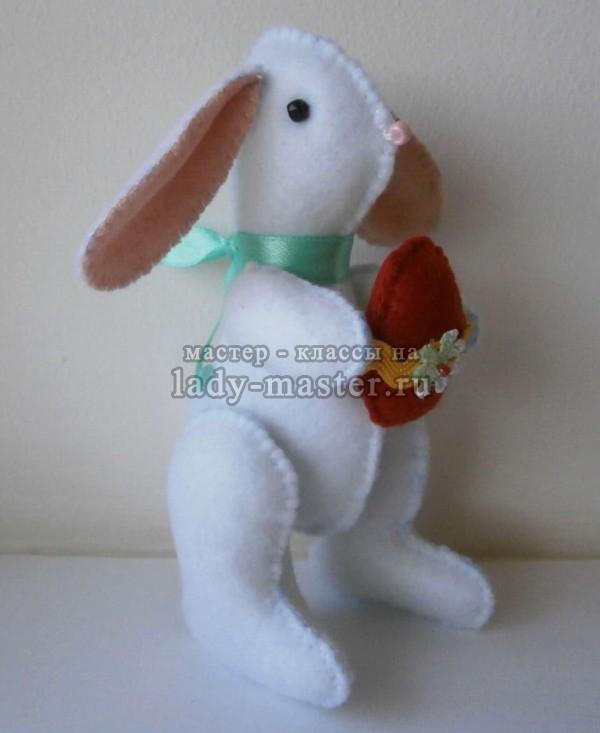 Белый пасхальный кролик своими руками