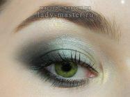 Как сделать модный серо-зелёный макияж глаз
