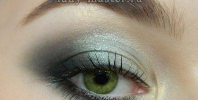 Модный зелёный макияж глаз