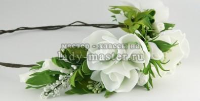 Нежный весенний веночек с цветами из фоамирана