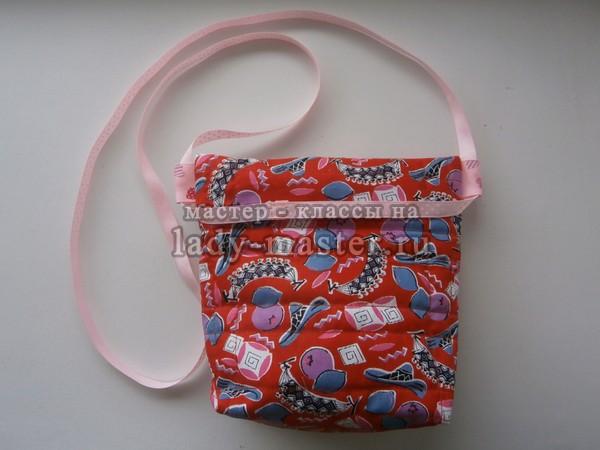 e531d71a0357 Так сумочка с пришитой ручкой смотрится спереди. Летняя детская ...