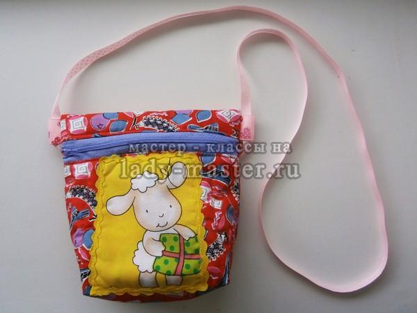 949e580fc85f Летняя детская сумочка готова. Так как эта летняя сумочка сшита из цветной  ткани, она подойдет к разным платьям, блузкам и футболкам.