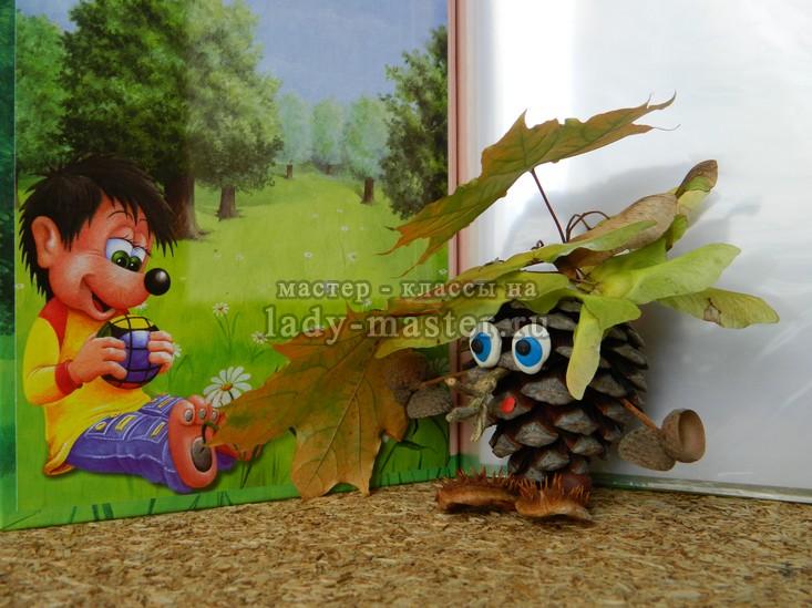 поделка лесовичок из шишек, фото