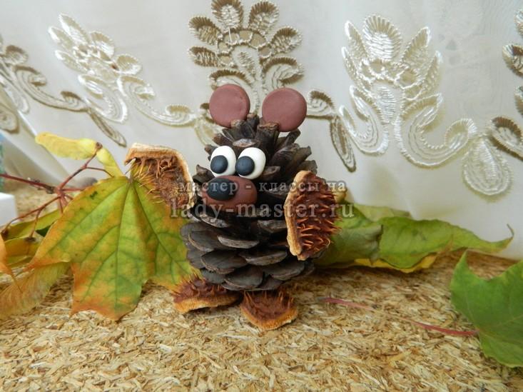 мишка из шишек поделка, фото