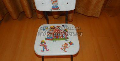 Реставрация и декупаж старого детского стульчика