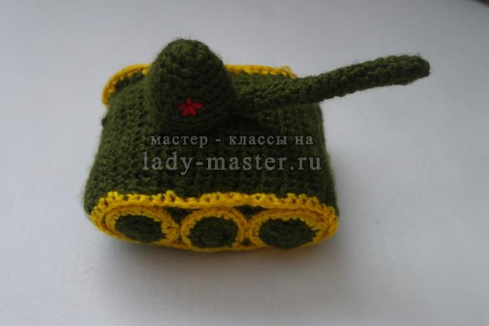 игрушка танк крючком, фото