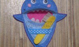 Развивающая игрушка акула из фетра