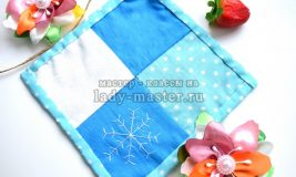 Прихватка для кухни с узором «снежинка» — стильный подарок к новому году
