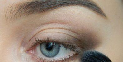Секреты красивого макияжа: как правильно растушевать тени для начинающих