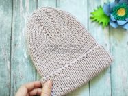 Модная шапка-резинка с отворотом спицами
