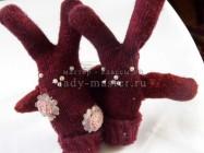 Веселые зайцы из старых перчаток