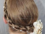 Необычная коса с плетением «венок»
