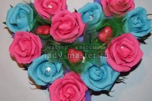 Сердце из конфет и роз своими руками
