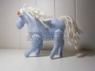 Мягкая игрушка «Белогривая лошадка» в стиле тильда