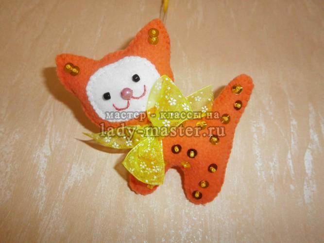Елочная игрушка «Новогодний котик»