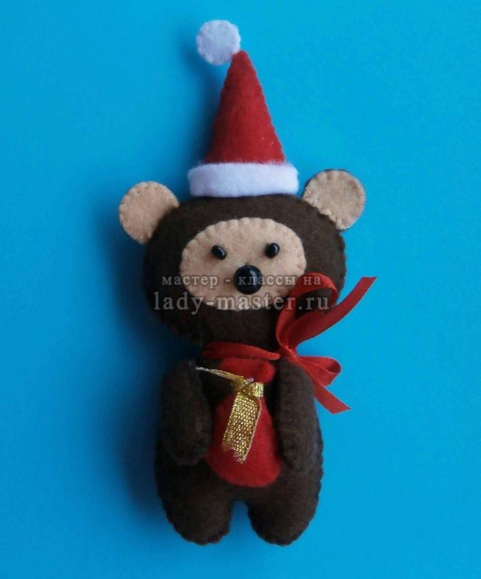 Елочная игрушка «Новогодний медвежонок»