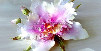 Экзотическая орхидея из фоамирана с бутонами на зажиме для волос