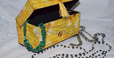 Шкатулка для бижутерии из упаковочной коробки (декупаж, двухшаговый кракелюр)