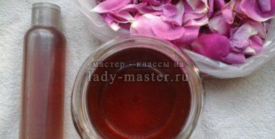 Розовая вода — настоящий эликсир молодости для вашей кожи. Как сделать её дома?
