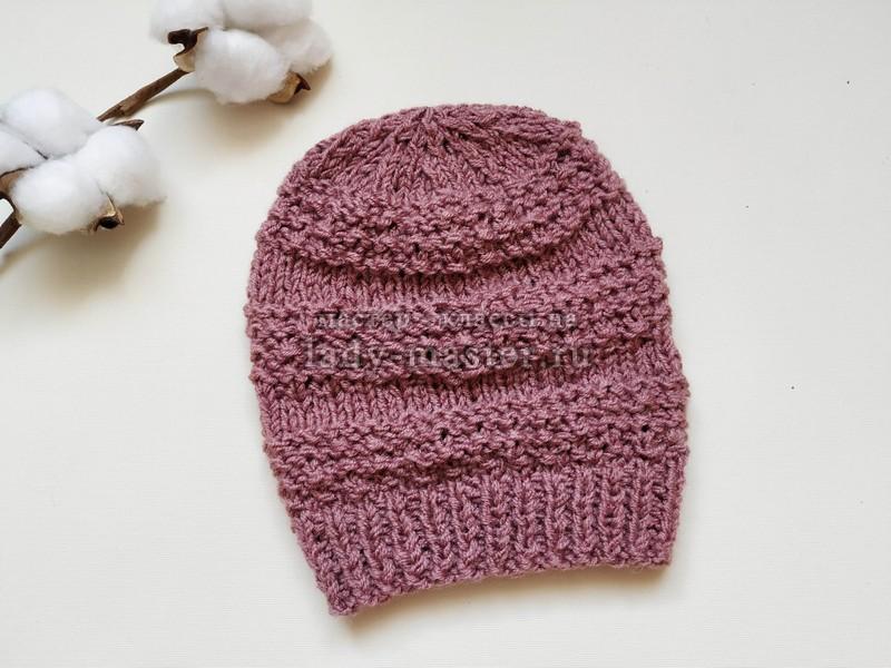 Модная женская шапка на осень спицами